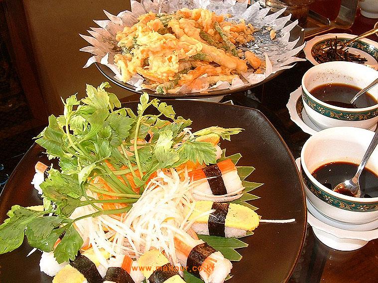 점심 뷔페 메뉴 2