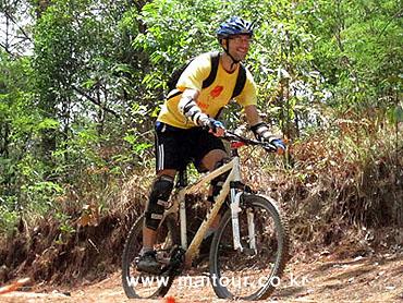 Mountain Biking 28