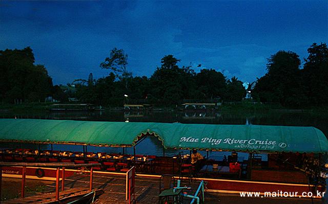 매핑강 크루즈 디너 2