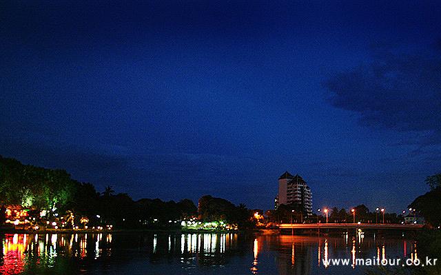 매핑강 크루즈 디너 4